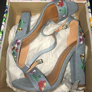 Floral shoe republic LA heels size 6